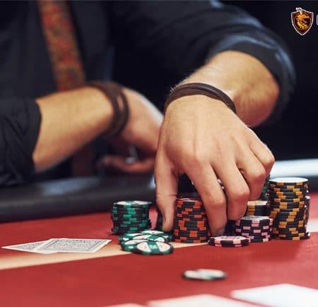 Vị trí trên bàn Poker – Những lợi thế và bất lợi của vị trí
